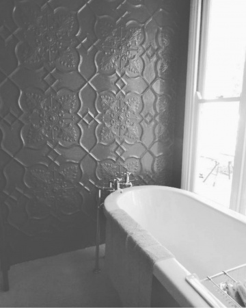 newington_feature_wall_painted_black